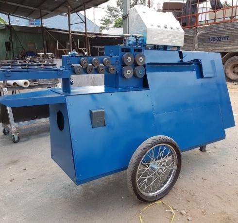 Máy bẻ đai tự động có xe kéo