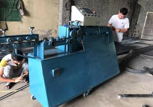 Máy bẻ đai sắt thế hệ mới về Hà Nội
