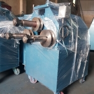 Máy uốn ống 3 trục