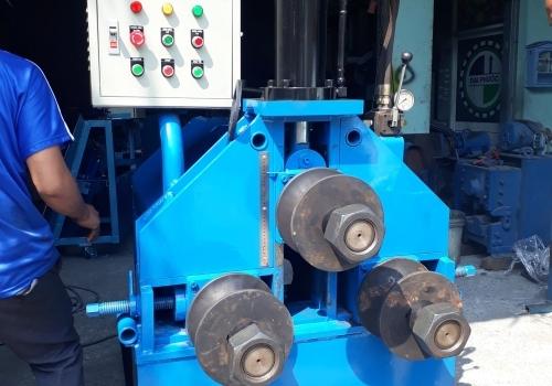 Test máy uốn ống thủy lực 3 trục
